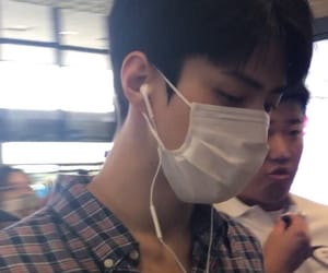 airport, oh sehun, and fantaken image
