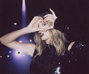 Taylor Swift and heart image