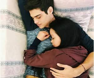 noah centineo, couple, and lara jean image