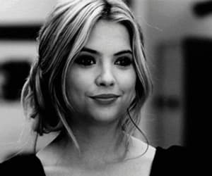 Ashley Benson 😍