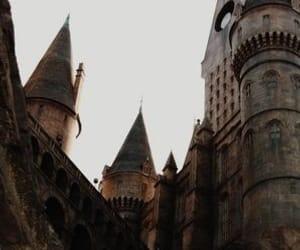 hogwarts, harry potter, and gryffindor image