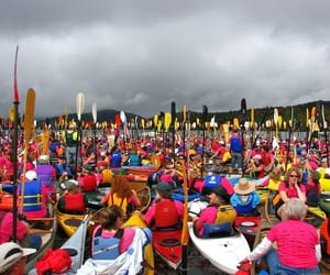 new york, guinness world record, and canoes image