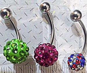 accesories, aros, and earrings image
