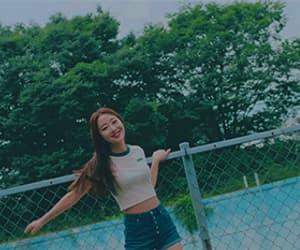 gif, hyunjin, and ot12 image