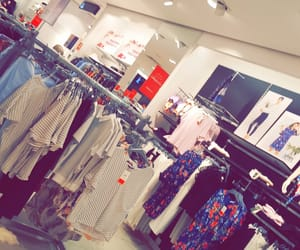 lc, mall, and snapchat image