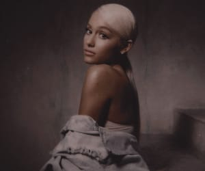 ariana grande, sweetener, and icon image
