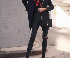 classy, graphic, and ootd image