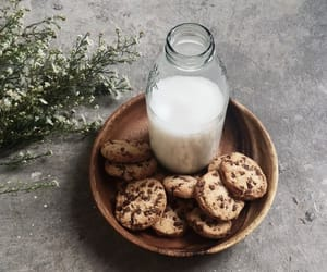 bake, chocolate, and Cookies image