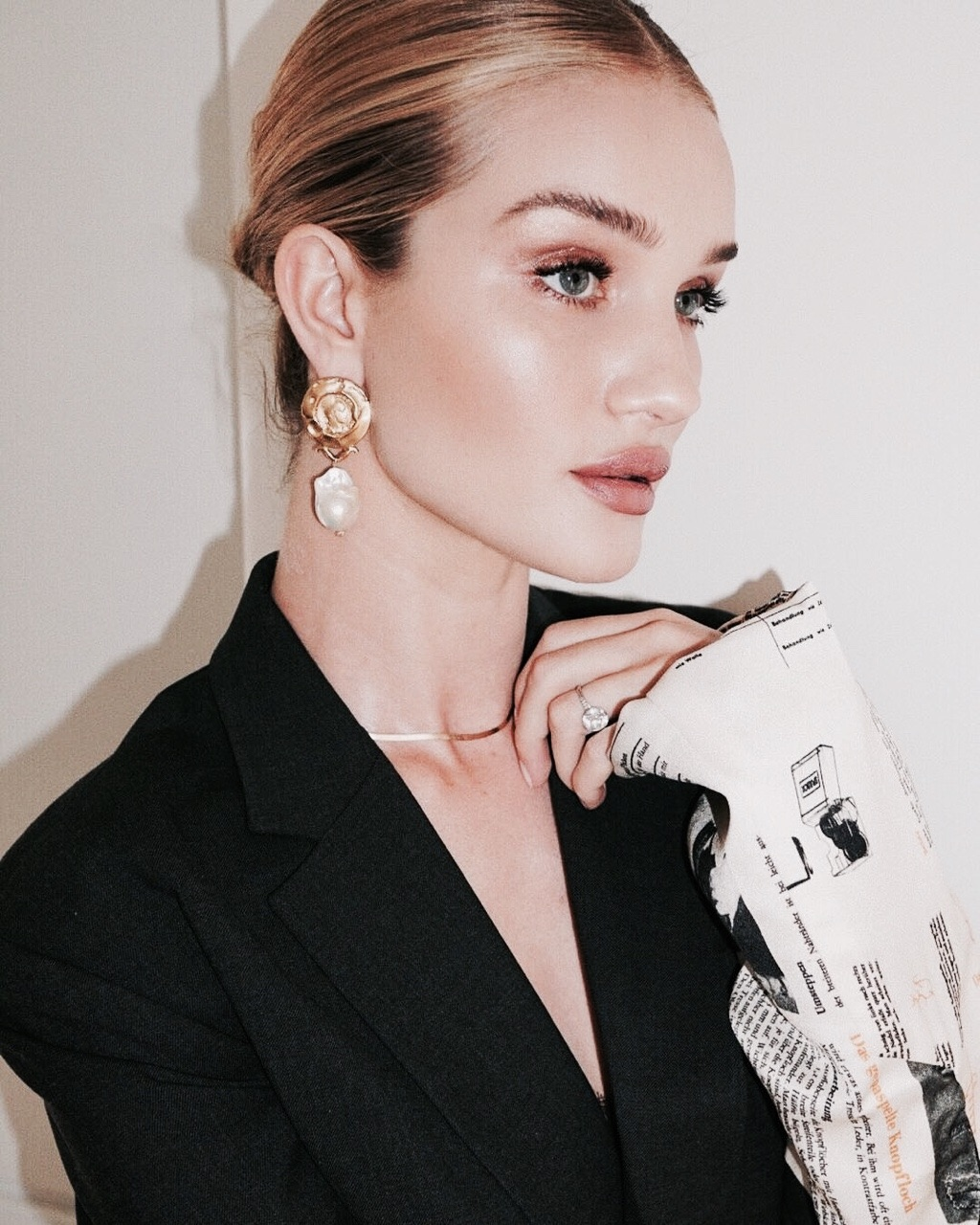 model, makeup, and rosie huntington-whiteley image