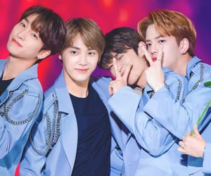 kpop, younghoon, and stage image