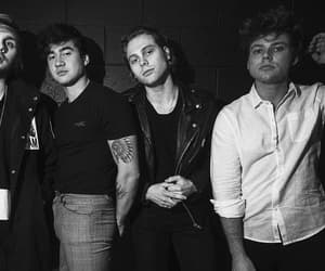 photoshoot, rock band, and 5sos image