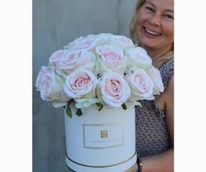 flower box, box z kwiatami, and koperta z kwiatami image