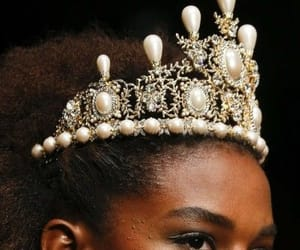 crown, fashion, and pearls image