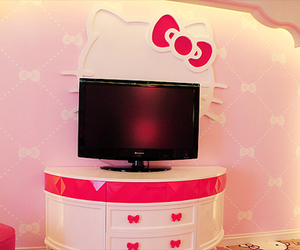hello kitty, cute, and tv image