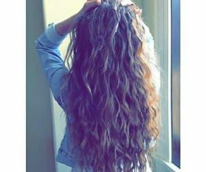 hair, wavy, and بُنَاتّ image