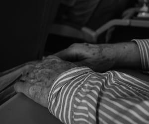 art, hands, and blanco y negro image