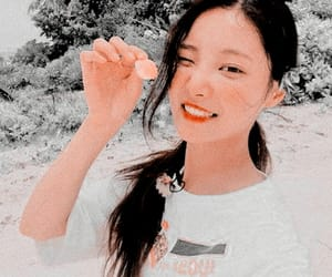 edit, yeonwoo, and kpop image