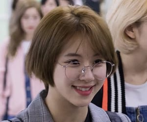 airport, hairstyle, and twice image