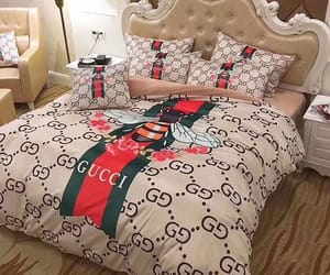 bed and gucci image