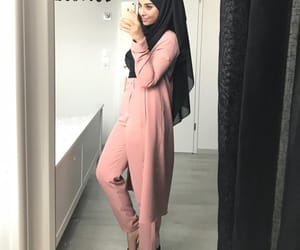 chic, hijabista, and hijâbi image