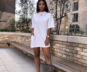 white, ootd, and weeklyhearts image