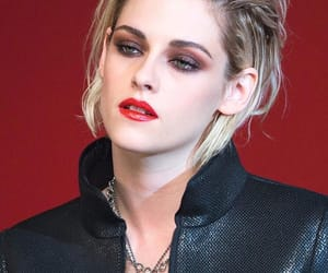 kristen stewart and chanel image