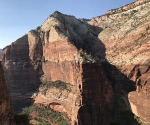 Immagine di adventure, cliffs, and landscape