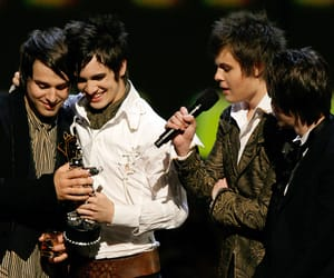 brendon urie, panic! at the disco, and jon walker image