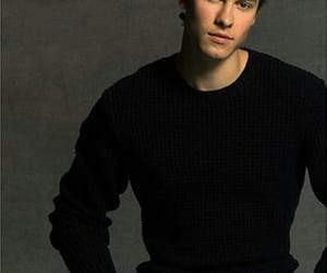 canadian, shawn mendes, and singer image