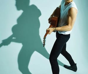 singer, ❤, and shawn mendes image