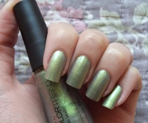 duochrome, nail polish, and unhas image