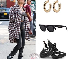 easel, steal her style, and jewelry image
