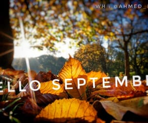 September and septembre image