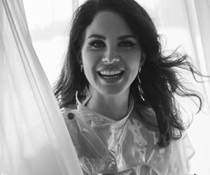 smile and lana del rey image