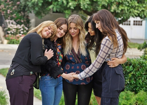 article, spencer hastings, and emily fields image