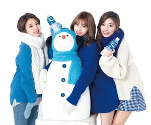 momo, chaeyoung, and son chae young image