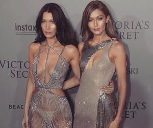 models, bellahadid, and sisters image