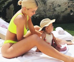 baby, body, and kylie jenner image