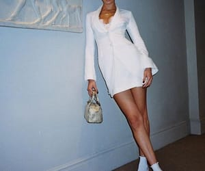 fashion, outfit, and bellahadid image