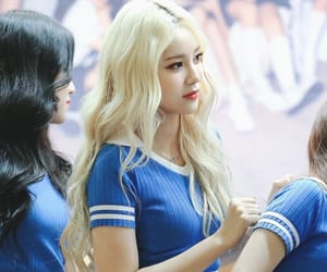 jinsoul, loona, and idol image