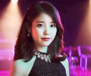 gif, soloist, and 아이유 image