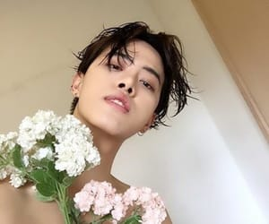 flowers, korean, and ulzzang image