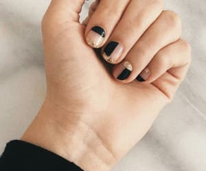 black nails, blingbling, and gelish image