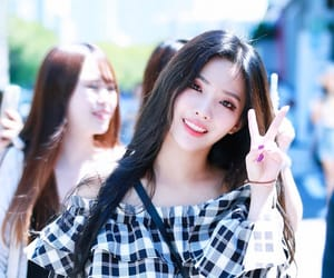 idle, jeon soyeon, and soyeon image