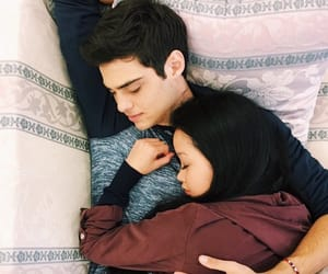 noah centineo, couple, and lara jean image