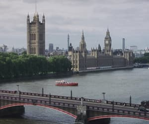 harry potter, london, and river image