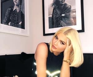 kylie jenner, blonde, and jenner image