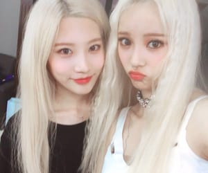 jinsoul, loona, and kim lip image