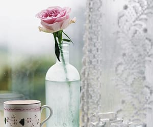 bouquets, flower vase, and rooses image