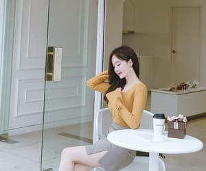 fashion, kim shin yeong, and style image